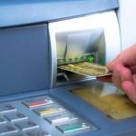 Retirer de l'argent au distributeur pourrait bientôt coûter plus cher